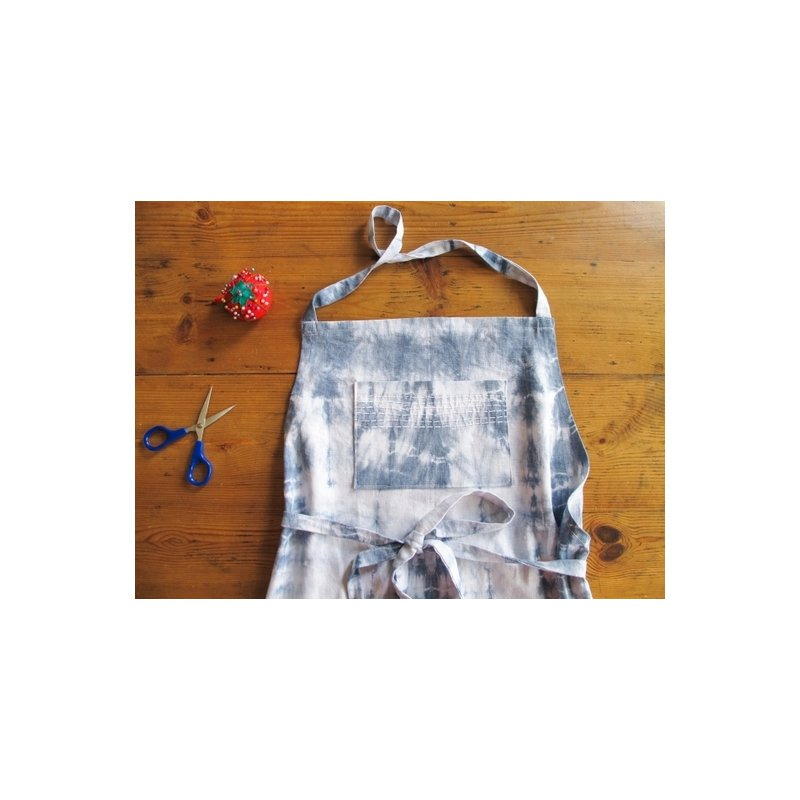 Tuto r aliser un tablier tie dye par a cardboard dream - Tuto tie and dye ...