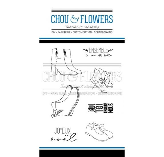 Tampons transparents 'Chou & Flowers - Holly Jolly' Au pied du sapin